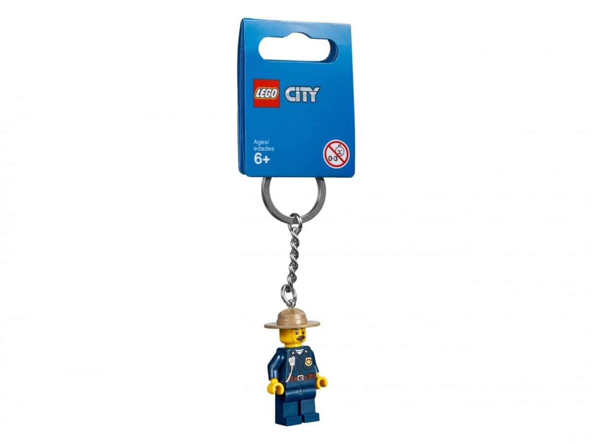 lego 853816 mountain police key chain scaled