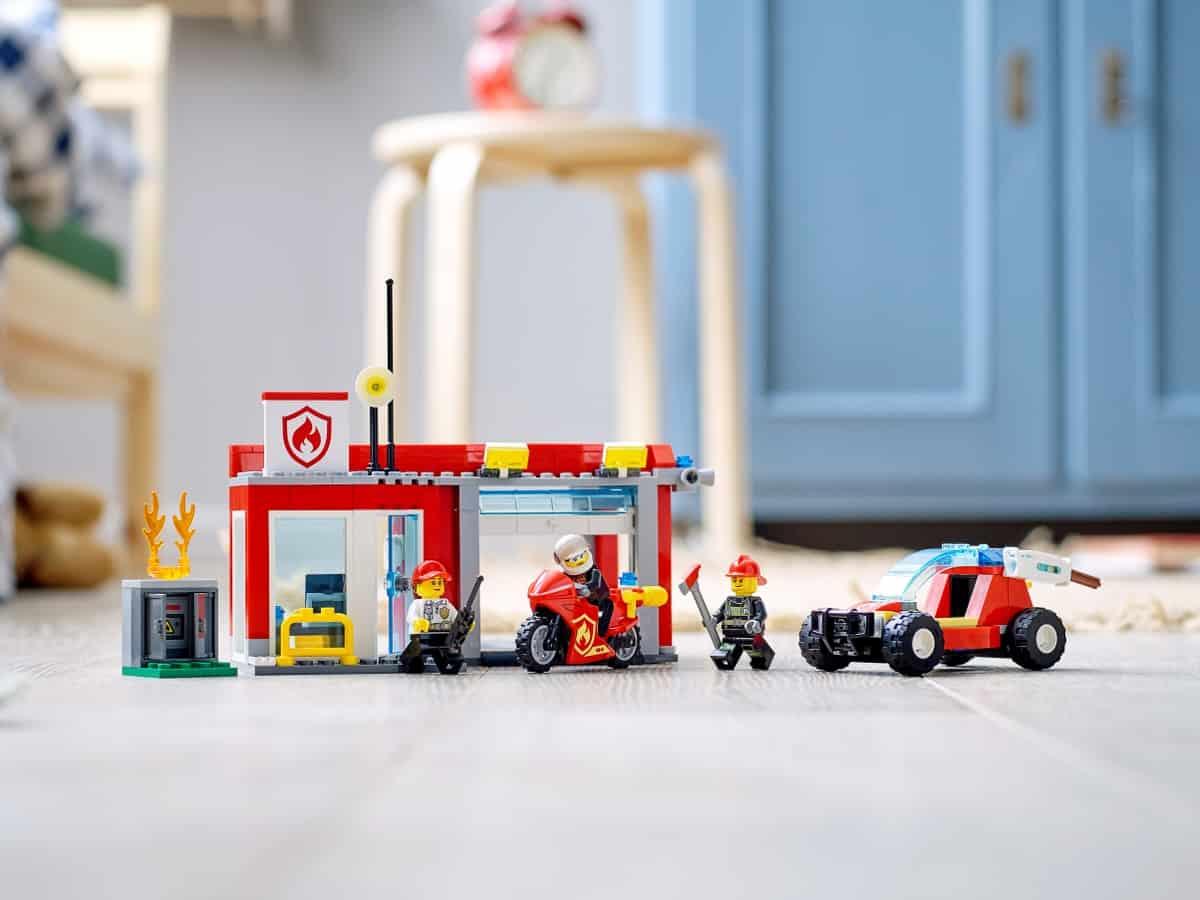 lego 77943 fire station starter set